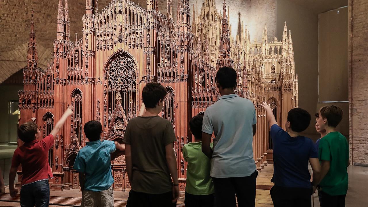 Di Milano A Carnevale Un Al Museo Duomo Corte Del D9YEH2IW