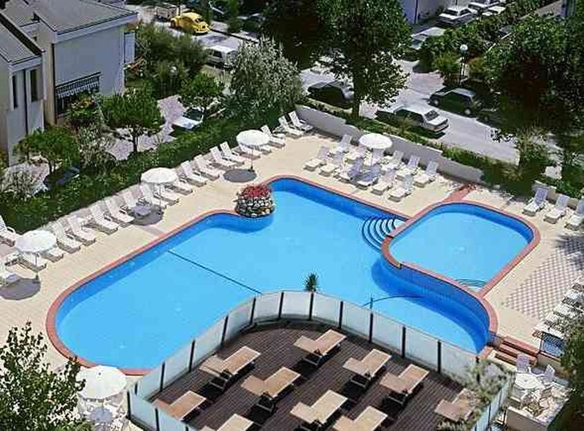 Family hotel milano marittima milano marittima al mare con - Hotel con piscina milano ...