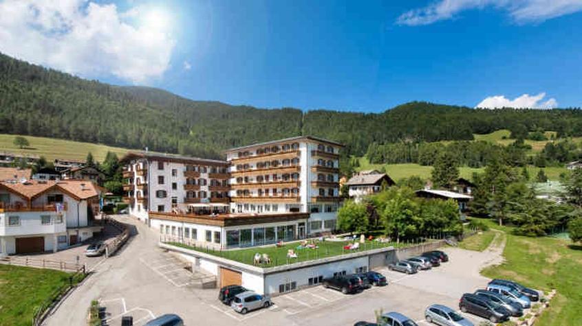 Hotel villaggio nevada hotel per bambini in montagna a - Hotel folgaria con piscina ...