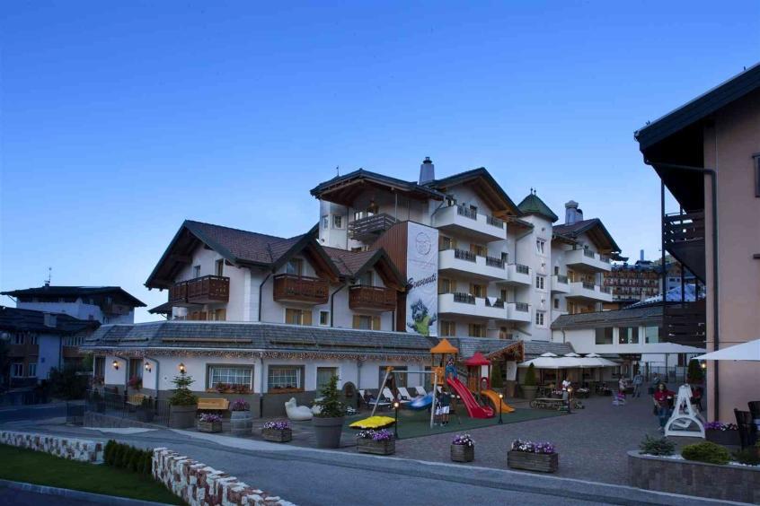 Astoria comfort hotel hotel per bambini in montagna in for Hotel per bambini trentino