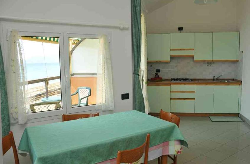 Residence Villa Alda: Residence per bambini al mare a Pietra Ligure ...