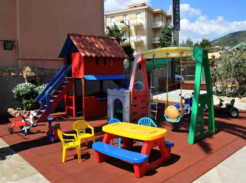 La fattoria di Villa Alda a Pietra Ligure - Vacanze per bambini in Liguria