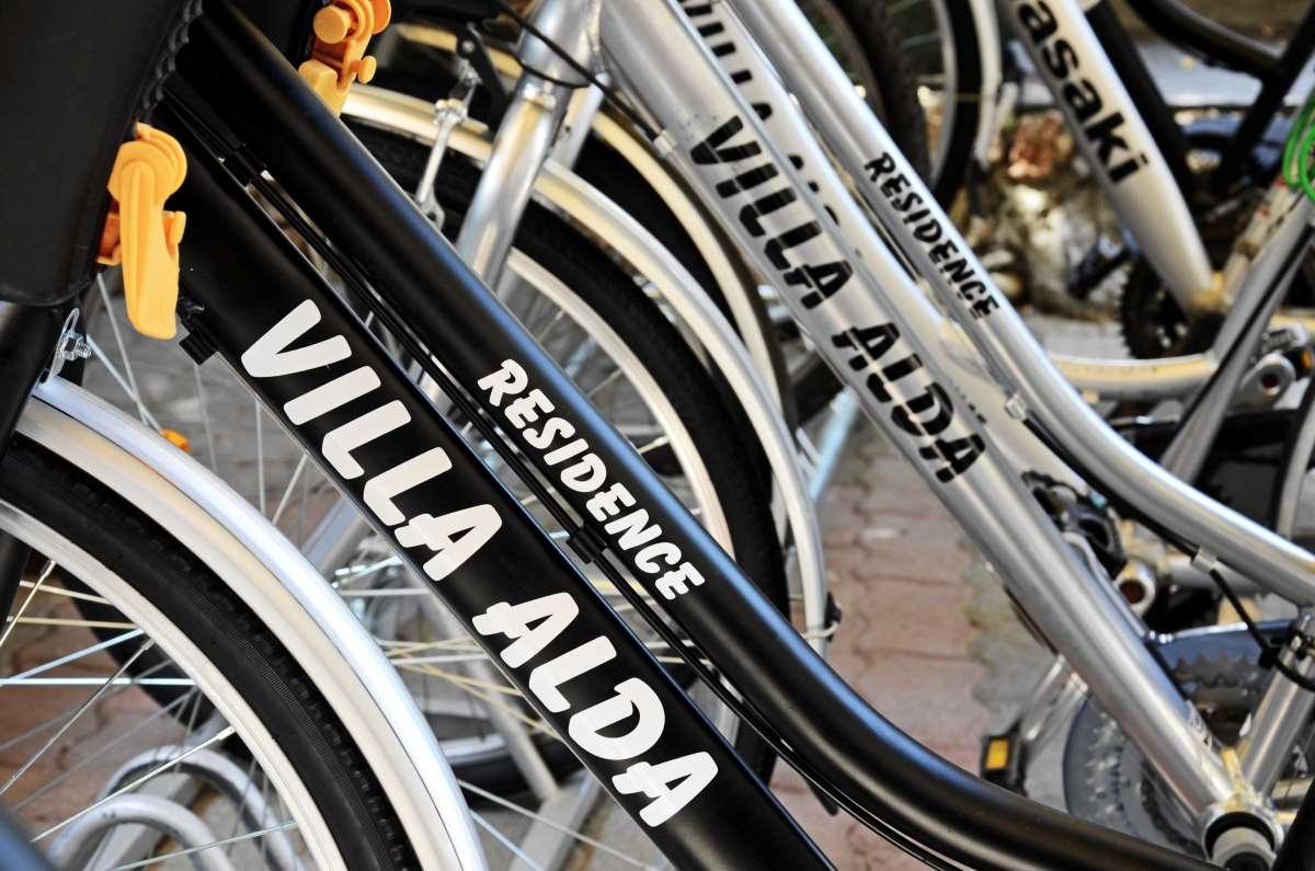 Le bici a Villa Alda - Pietra Ligure con i bambini