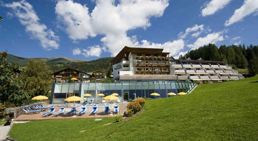 family resort rainer hotel per bambini in montagna a