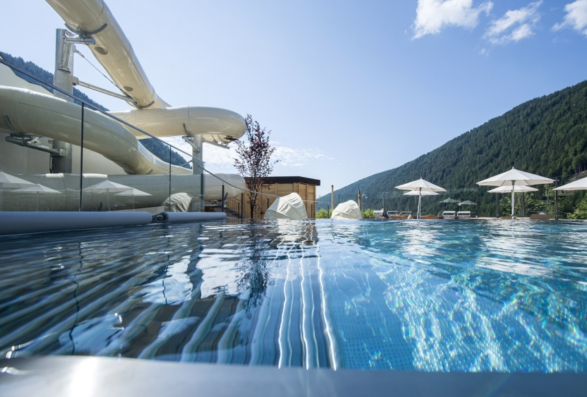 Familienhotel huber valles rio di pusteria in montagna con bambini - Hotel in montagna con piscina ...