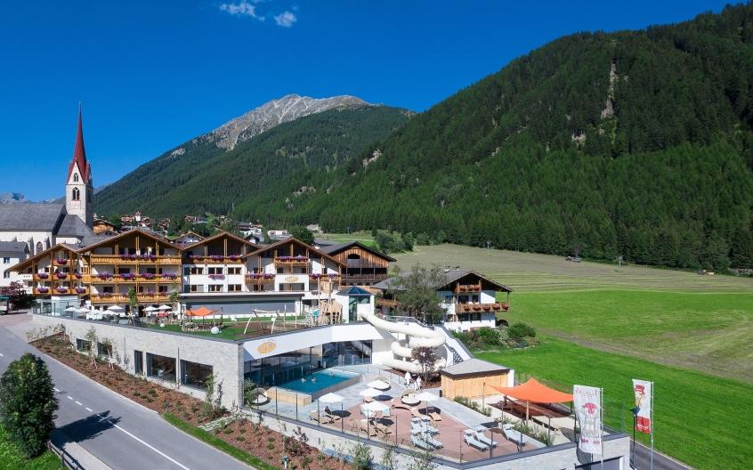 Familienhotel huber hotel per bambini in montagna in for Hotel per bambini trentino