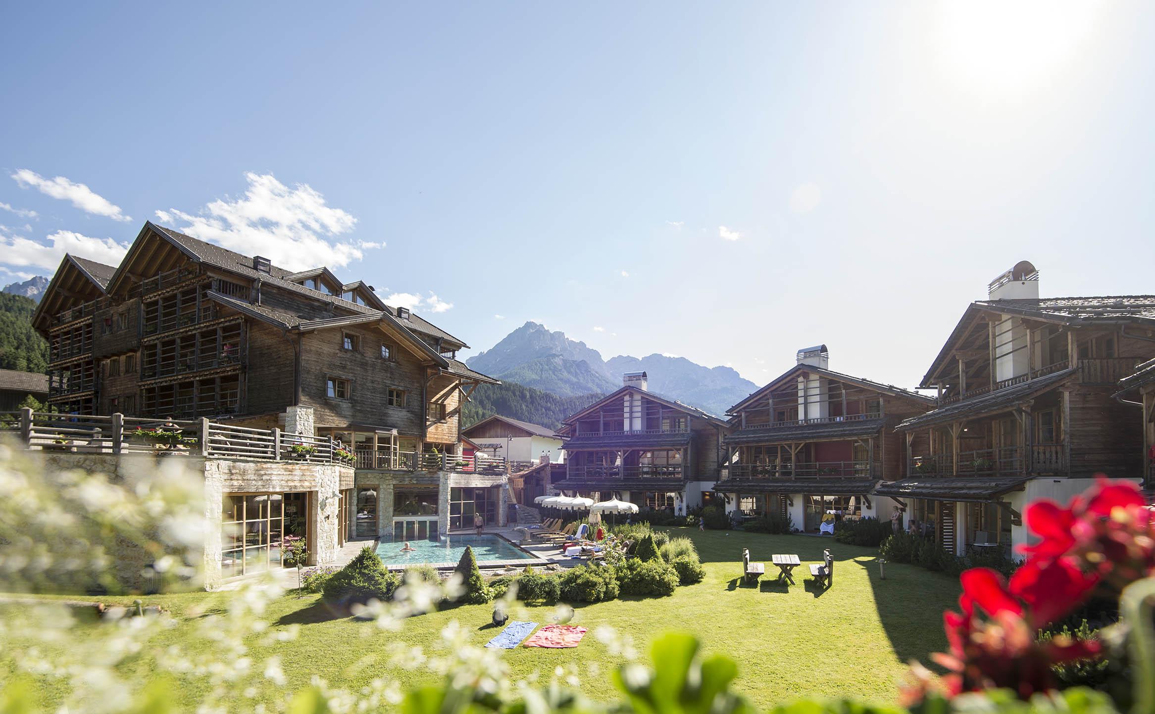 Post alpina family mountain chalets hotel per bambini - Residence a san candido con piscina ...
