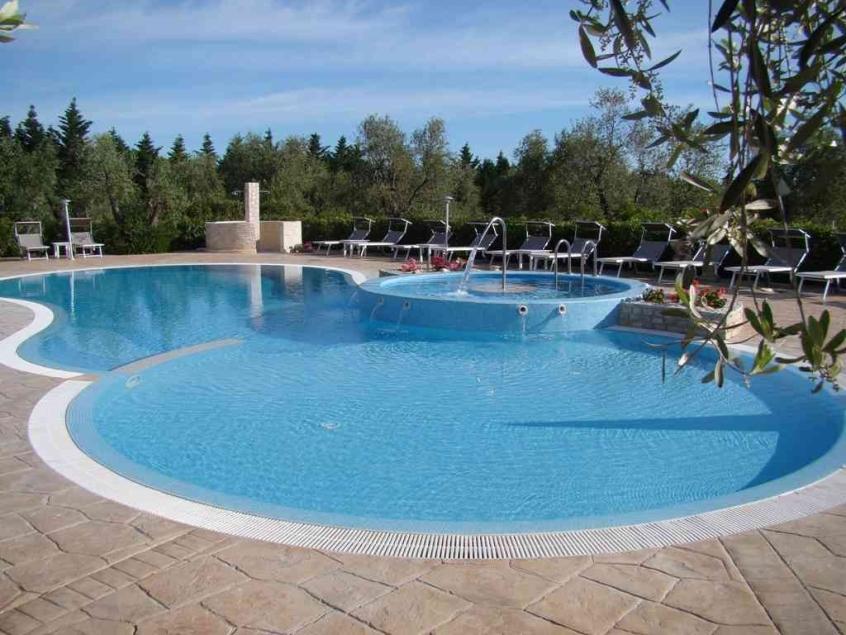 Residence san luca residence con piscina per famiglie sul for Piani di fattoria del sud