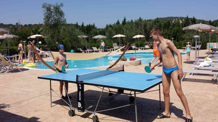 Vieste Puglia residence Ping Pong in piscina I Tes