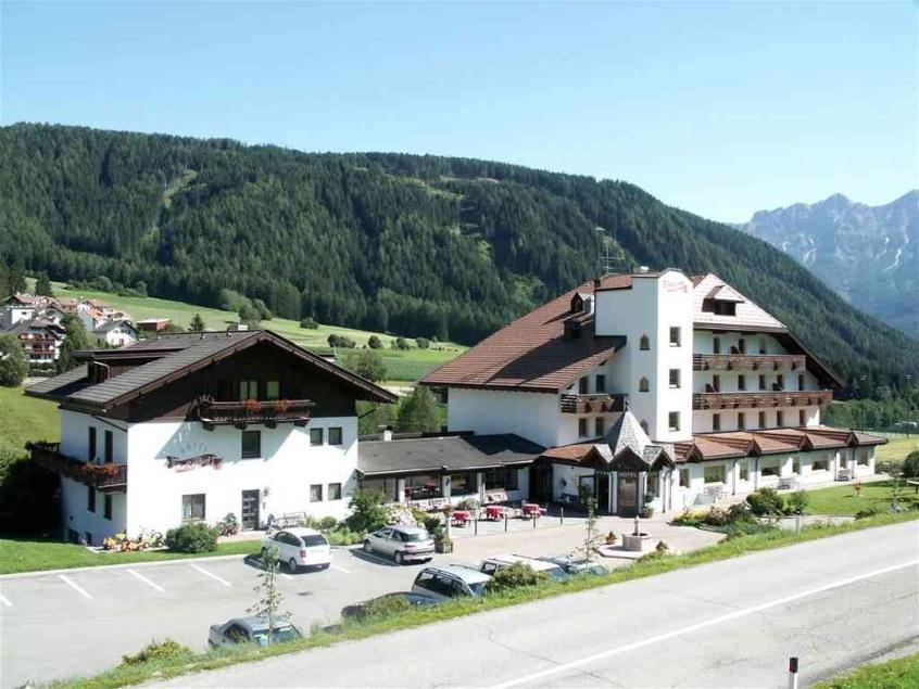 Hotel koflerhof hotel per bambini in montagna a rasun for Hotel per bambini trentino