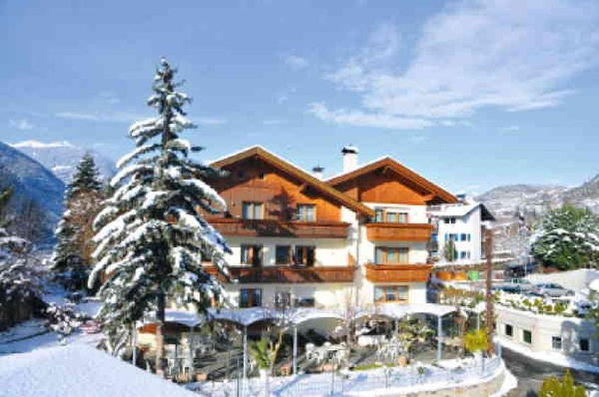 Pensione kranebitt hotel per bambini in montagna a for Dormire a bressanone