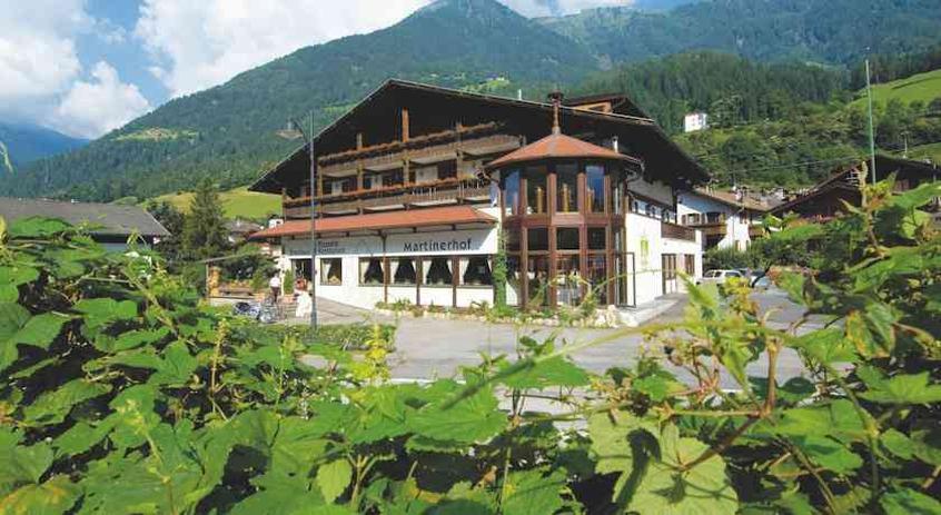 Martinerhof brauhotel hotel per bambini in montagna a san for Hotel per bambini trentino