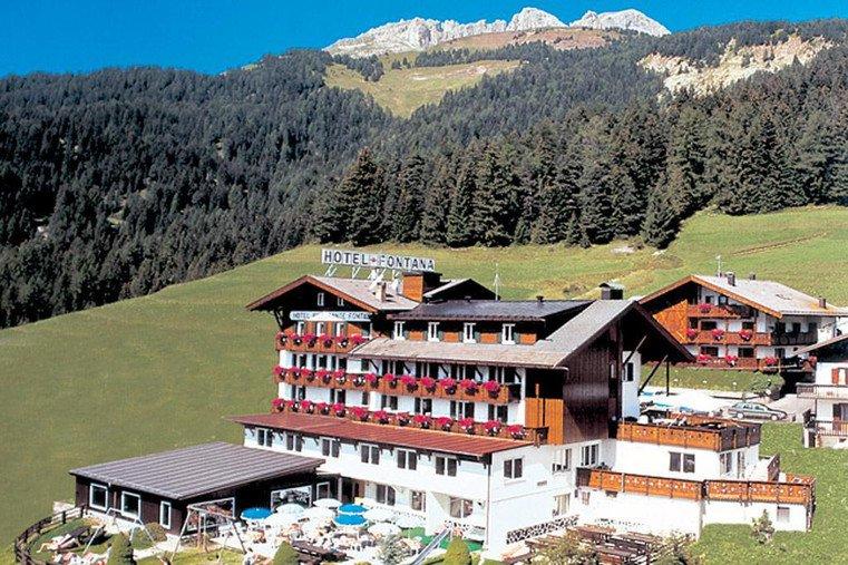 Hotel fontana hotel per bambini in montagna a vigo di for Hotel per bambini trentino