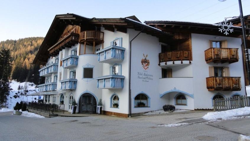 Hotel madonnina di soraga soraga hotel per bambini in for Hotel per bambini trentino