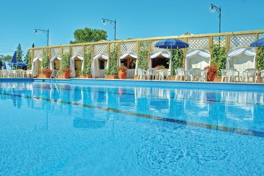 Una delle piscina della fattoria La Principina in Maremma Toscana - Vacanze con i bambini in Maremma Toscana