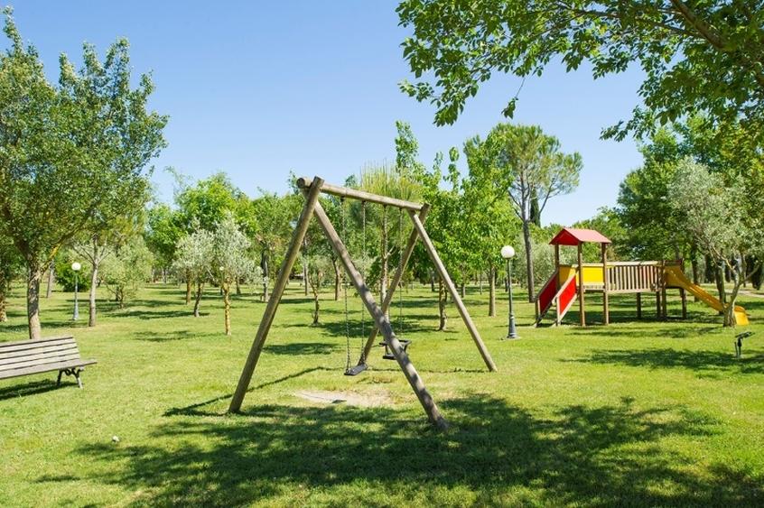 Giochi all'aperto della fattoria La Principina in Maremma Toscana - Vacanze con i bambini in Maremma Toscana