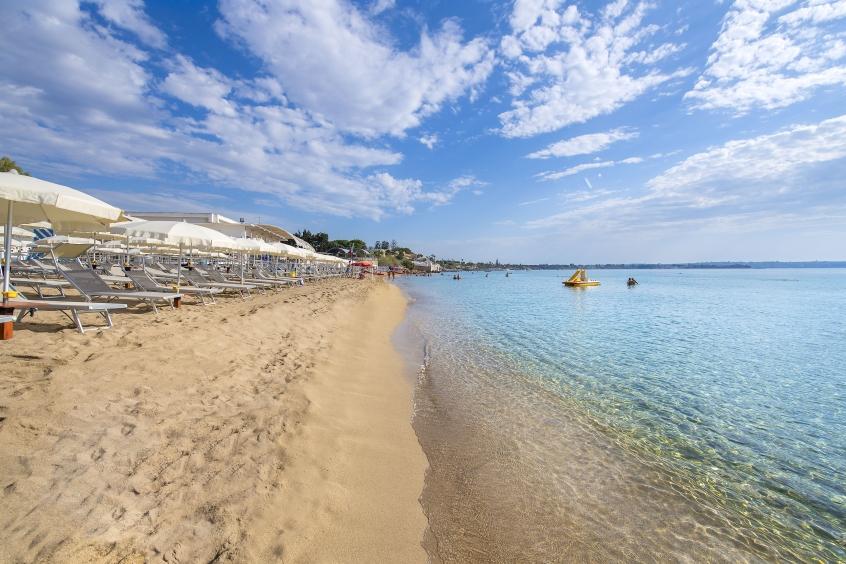 La spiaggia del Voi Arenella Resort - Resort in Sicilia per bambini