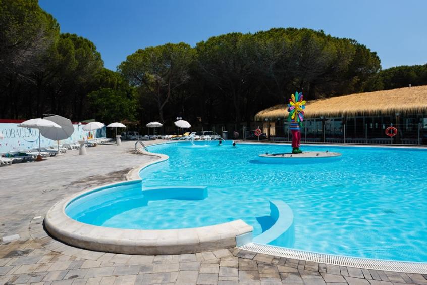 Arcobaleno village villaggio per bambini a marina di - Camping toscana con piscina ...