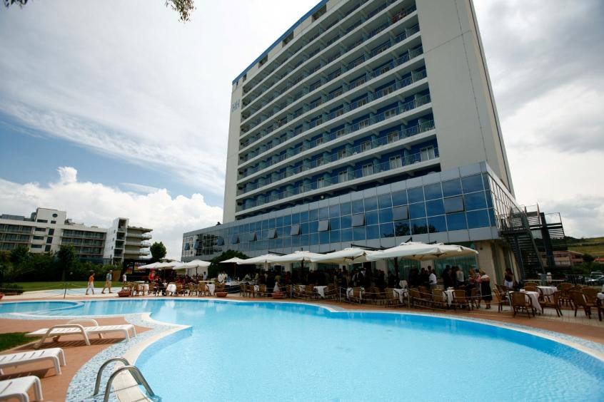 La piscina dell'Hotel Hermitage a Silvi Marina