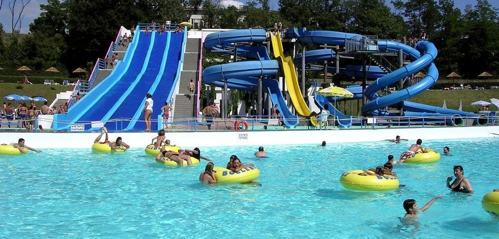 Parco acquatico lavagello parco acquatico its4kids - Piscina induno olona ...