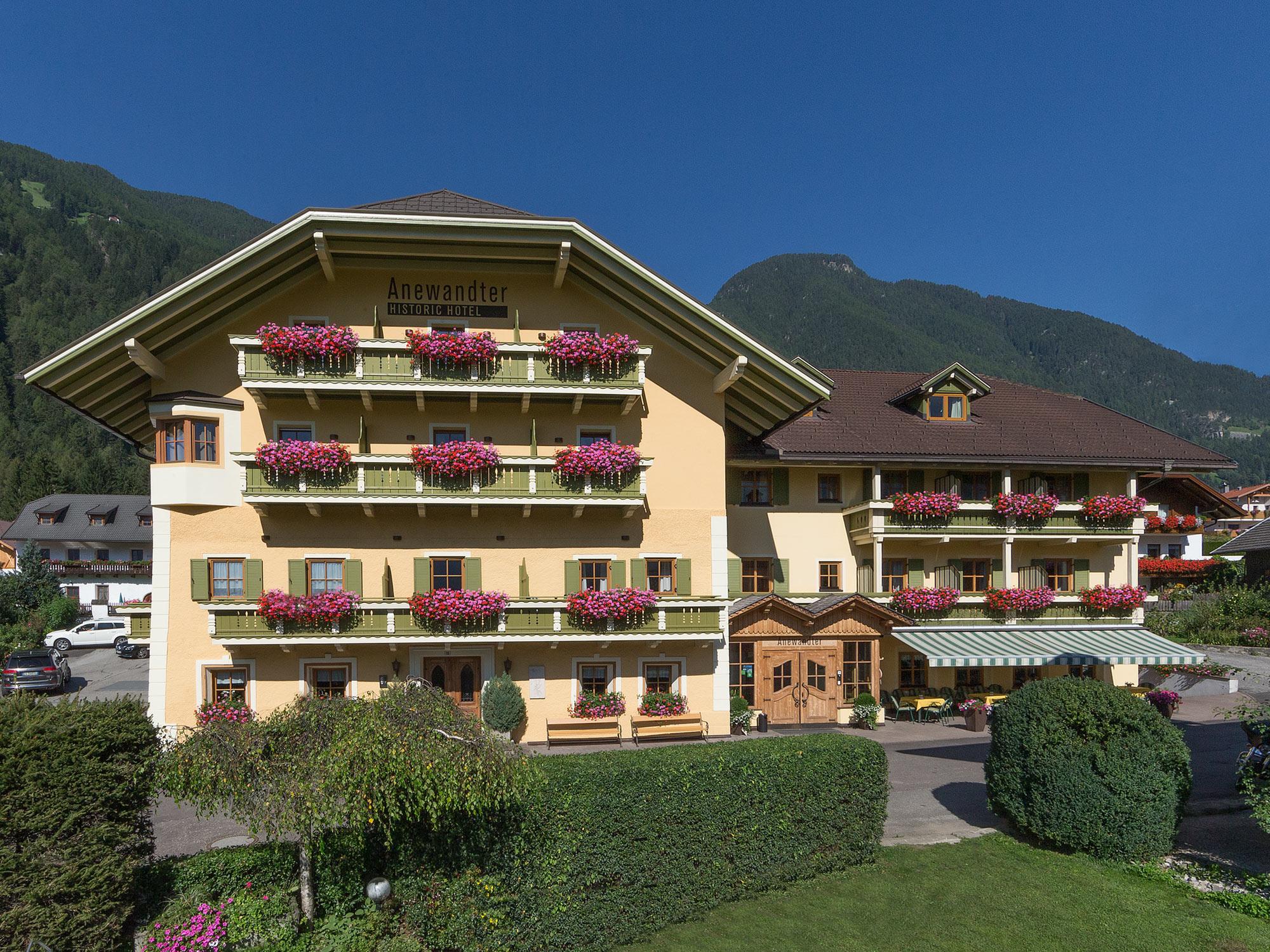 Hotel anewandter hotel per bambini in montagna a villa for Hotel per bambini trentino