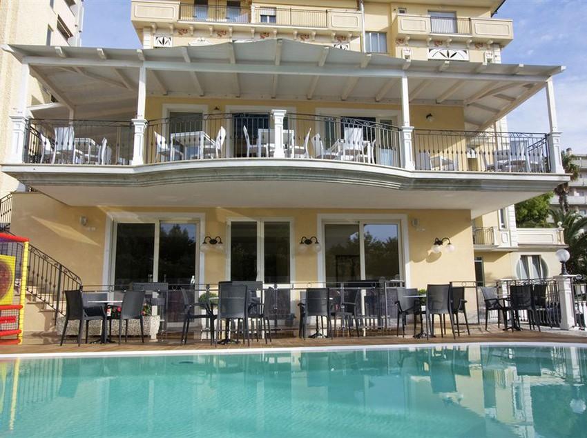 Hotel Girasole A San Benedetto Del Tronto