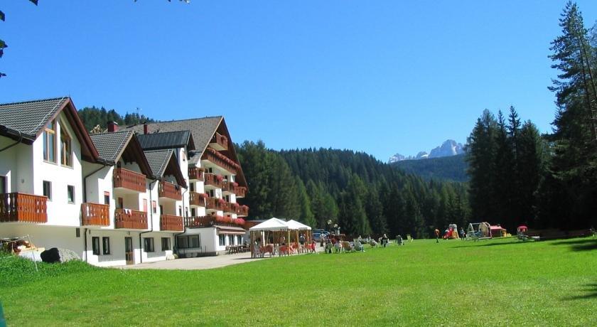 Hotel sole hotel per bambini in montagna in trentino for Hotel per bambini trentino