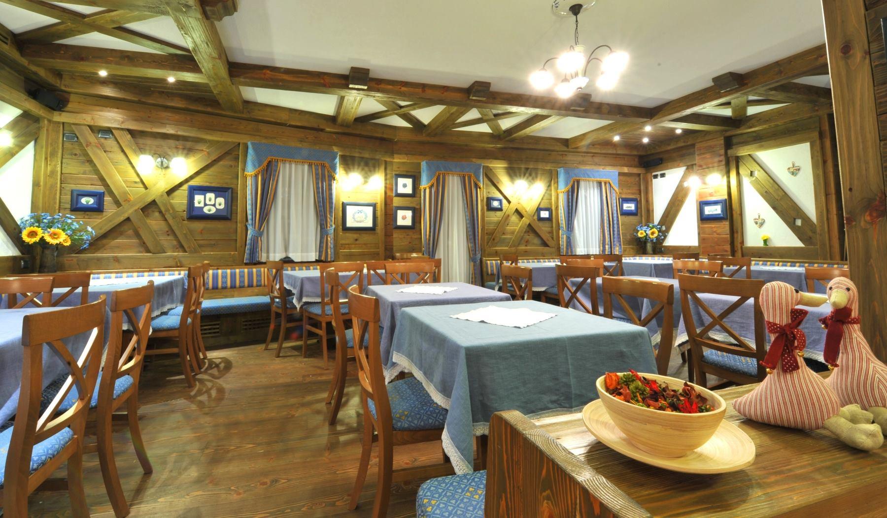 Family hotel adamello hotel per bambini in montagna a for Hotel per bambini trentino