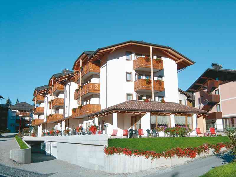 Club hotel negritella hotel per bambini in montagna a - Hotel a molveno con piscina ...