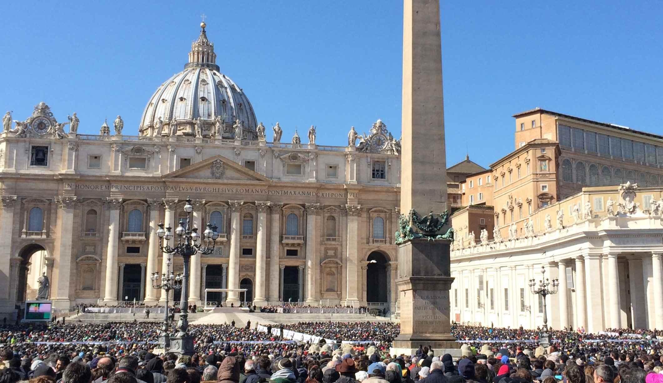 Piazza san Pietro - A Roma con i bambini