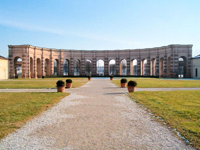 Palazzo Te e i giardini cosa vedere a Mantova con i bambini