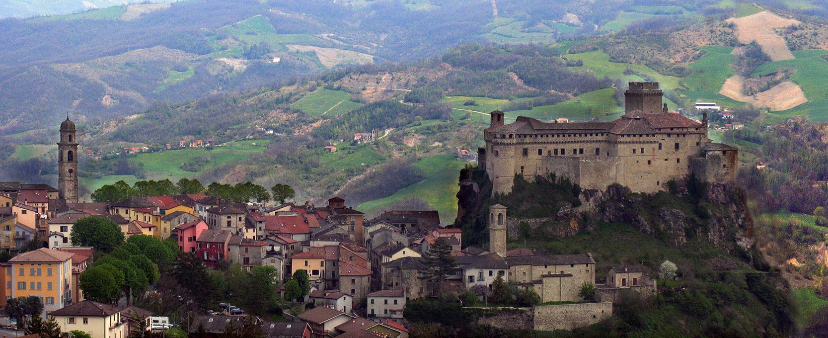 10 castelli da favola da visitare con i bambini for Visitare in italia
